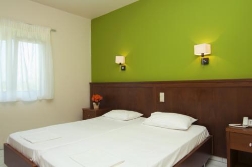 hotel-elina-karavostasi024