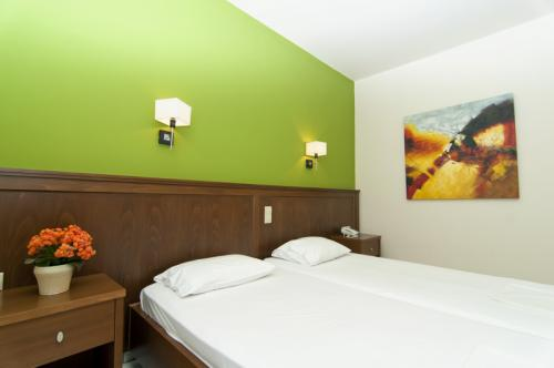 hotel-elina-karavostasi025