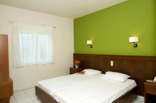 hotel-elina-karavostasi026