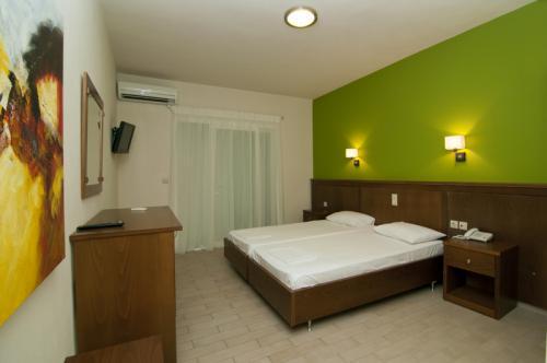 hotel-elina-karavostasi036