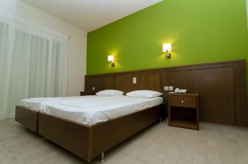 hotel-elina-karavostasi037