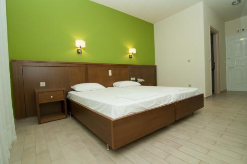 hotel-elina-karavostasi041