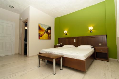 hotel-elina-karavostasi047