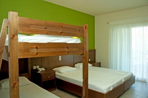 hotel-elina-karavostasi140
