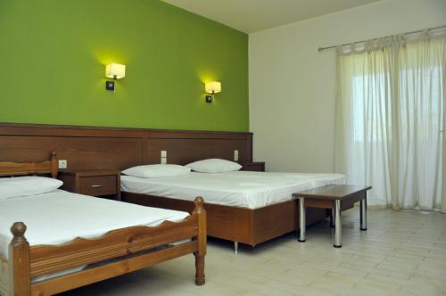 hotel-elina-karavostasi142