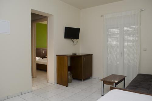 hotel-elina-karavostasi074