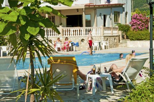 hotel-elina-karavostasi006